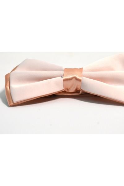 Розовая мужская бабочка