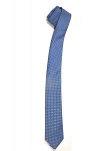 Голубой мужской галстук в тёмно-синий квадрат