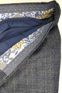 Тёмно-серые мужские брюки в красно-синюю клетку 1429M MEYLI