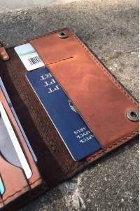 Тёмно-коричневое кожаное портмоне ручной работы L-101