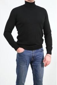 Чёрный мужской однотонный свитер с горлом 2001
